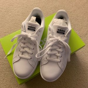 NIB adidas Cloudfoam Advantage Clean Shoe, Size 8M